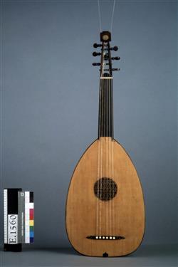 Luth (mandora)   Moïse Tieffenbrucker