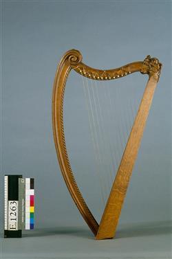 Harpe portative (reconstitution)   Maison Erard