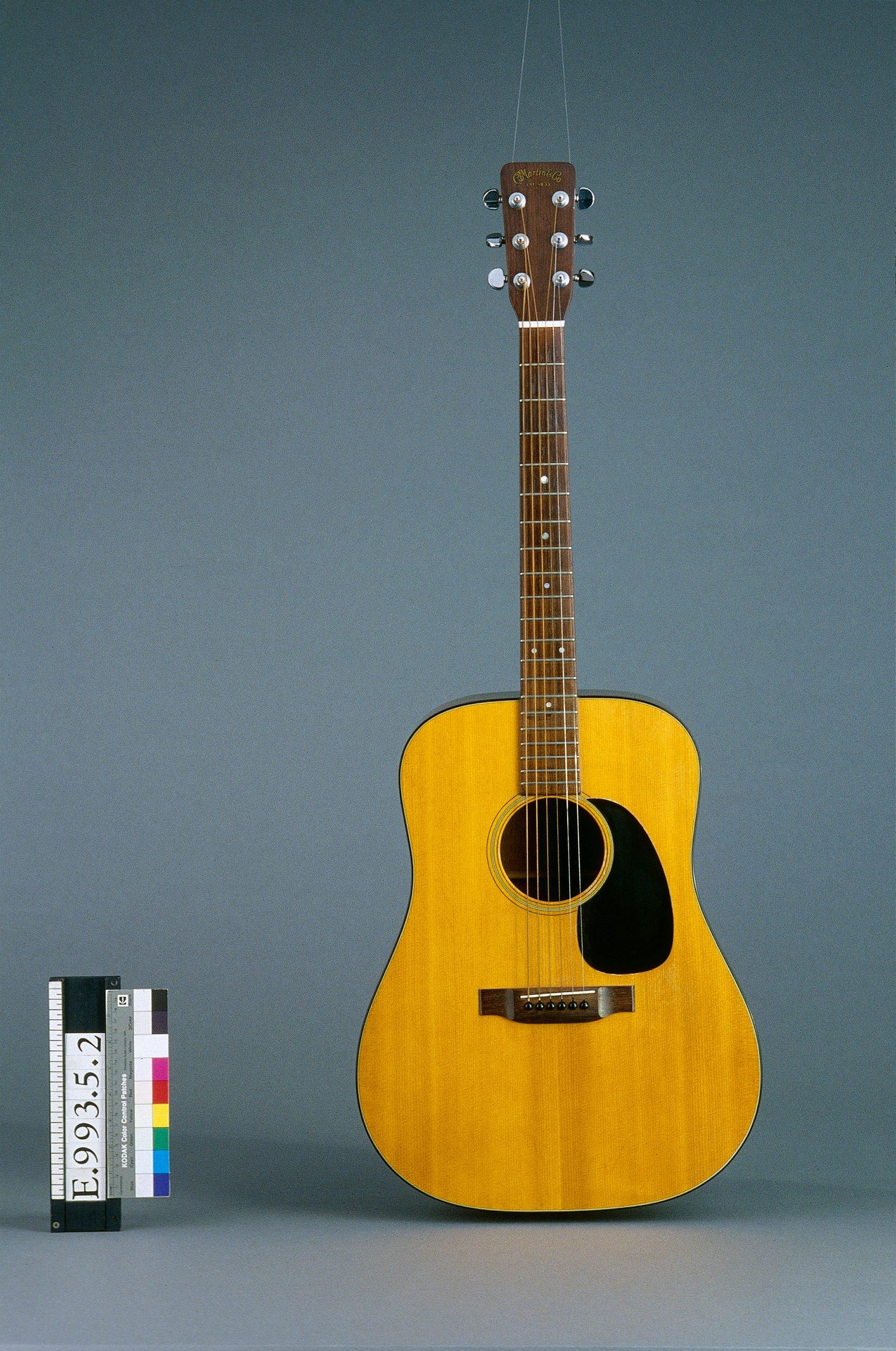 "Guitare ""Folk"" D.18 