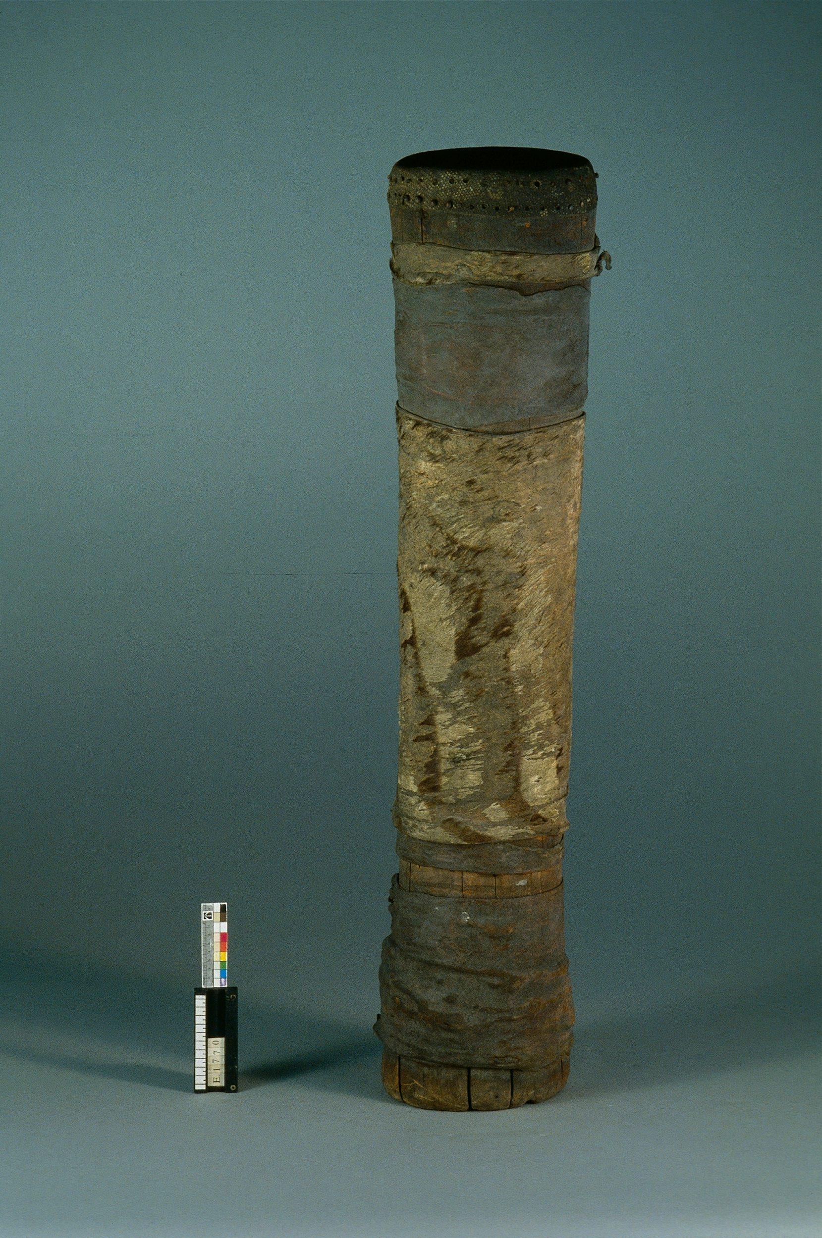 Tambour sur fût cylindrique | Anonyme