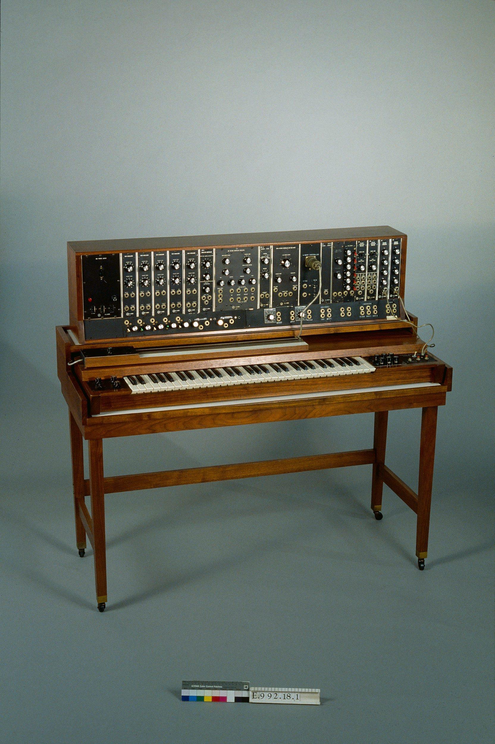 Synthétiseur modulaire | Robert Arthur Moog