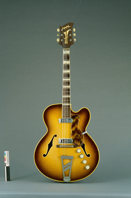 Guitare électrique modèle Royal   Jacobacci Frères