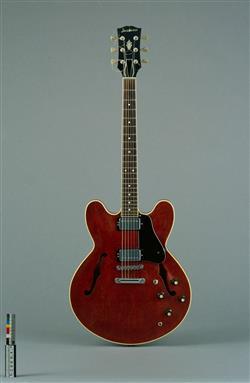 Guitare électrique modèle R 2   Jacobacci Frères