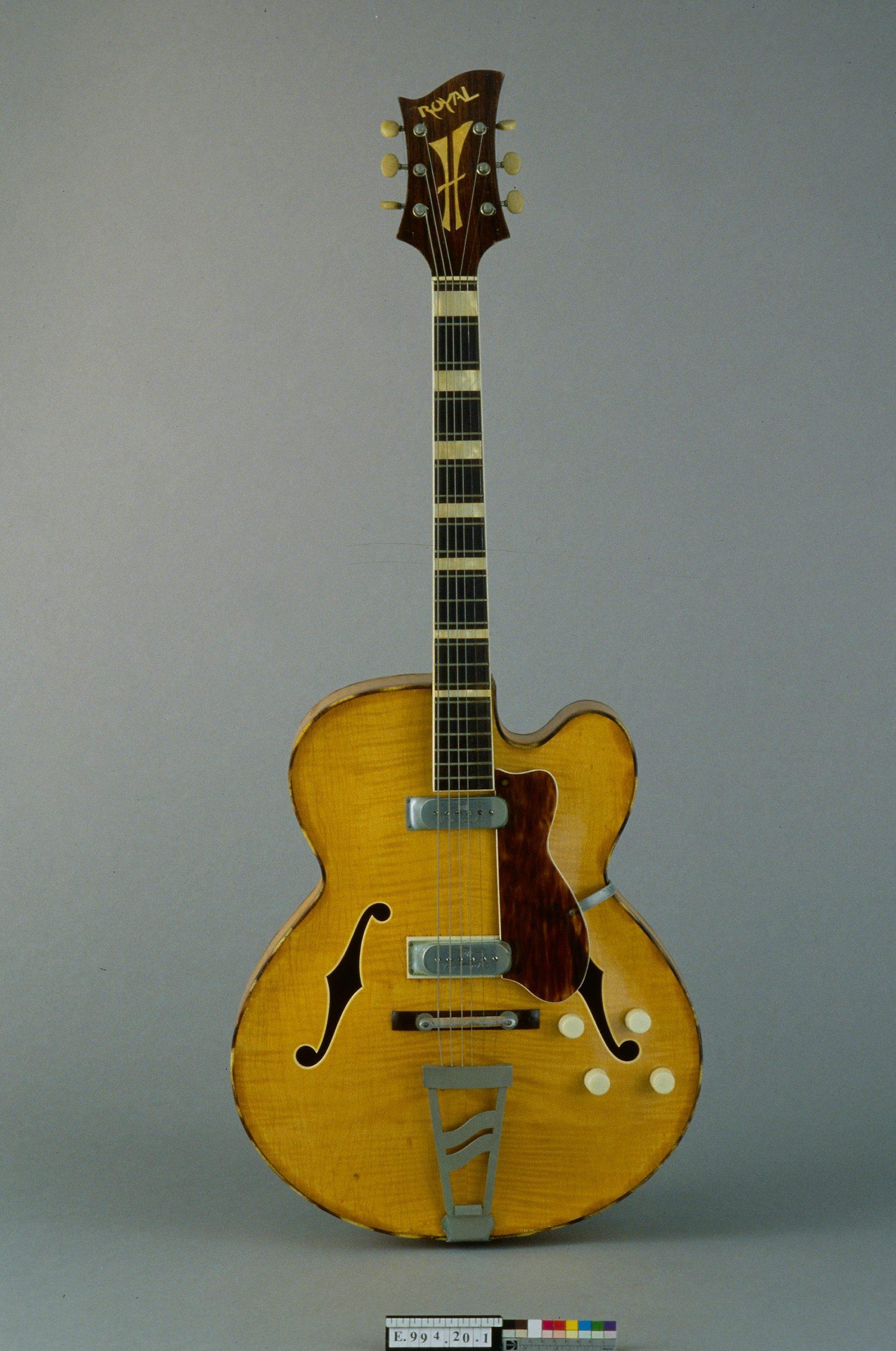 Guitare électrique modèle Royal 2   Jacobacci Frères