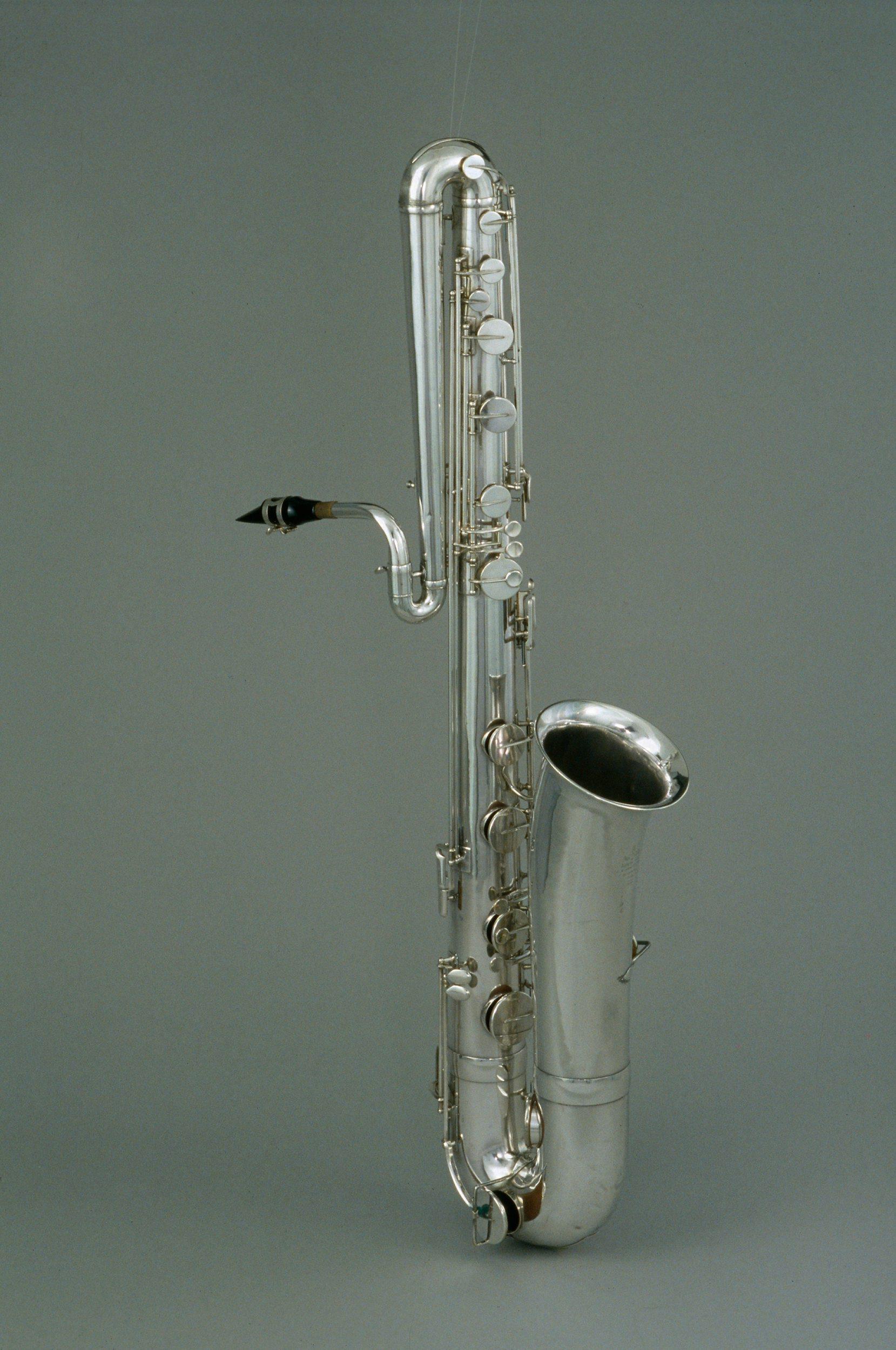 Saxophone basse | Adolphe-Edouard Sax