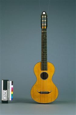 Guitare à tempérament réglable | René Lacote