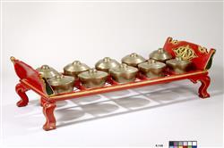 "Gamelan : gongs bulbés ""bonang barung"" appelés ""bonang ageng"" | Anonyme"
