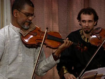 """""""Apap massala"""". Gilles Apap en concert à Bénarès - 1ère partie  """