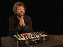Un musée qui s'écoute : synthétiseur Synthi A | Laurent, Bardainne