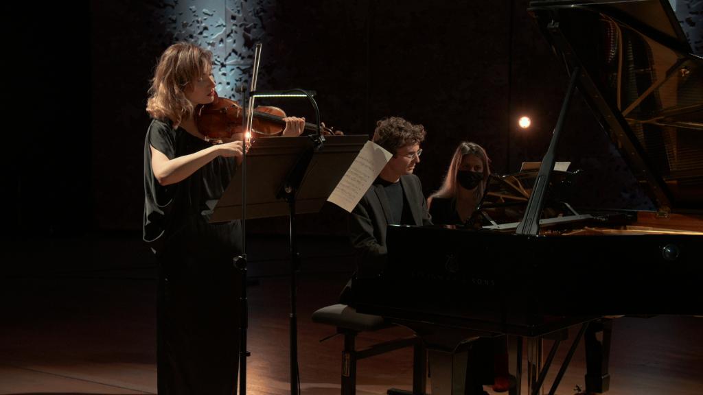 Rising Stars. Diana Tishchenko - Zoltán Fejérvári - Bach, Mendonça, Gubaïdulina, Ravel